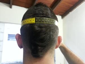 como_elegir_la_talla_casco_para_moto_cinta_metrica_espalda