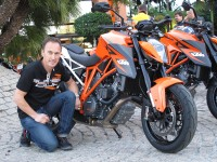 KTM Super Duke 1290 y Jeremy McWilliams
